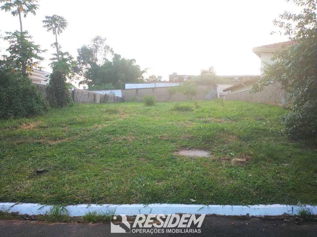 Terreno em Bauru, no bairro Jardim Colonial
