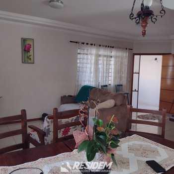 Casa em Bauru, bairro Parque Júlio Nóbrega