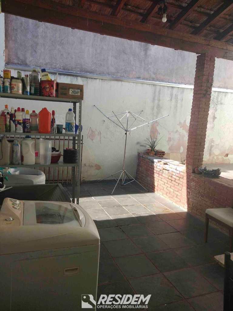 Casa em Bauru, no bairro Jardim América