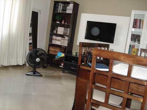 Apartamento, código 7438 em Santos, bairro Boqueirão