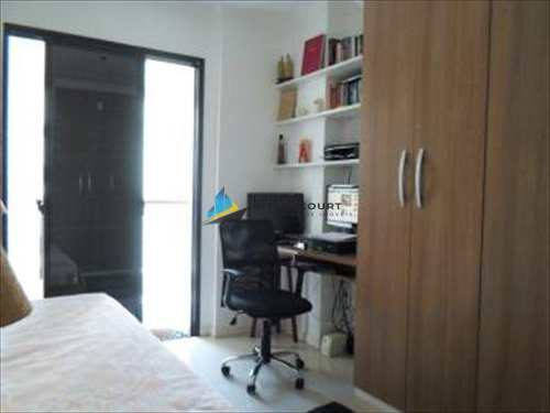 Apartamento, código 5424 em Santos, bairro José Menino