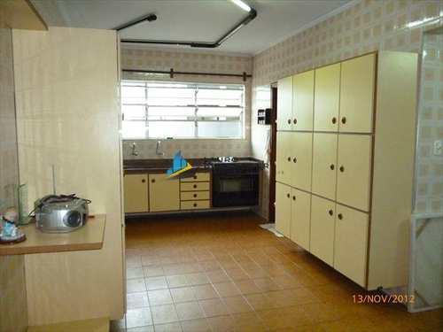 Apartamento, código 3806 em Santos, bairro Embaré