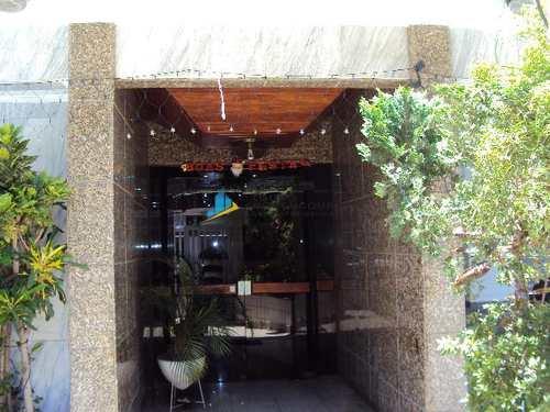 Apartamento, código 7794 em Santos, bairro Embaré