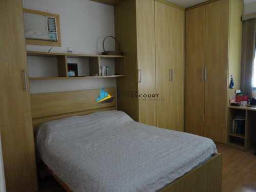 Apartamento, código 7931 em São Vicente, bairro Centro