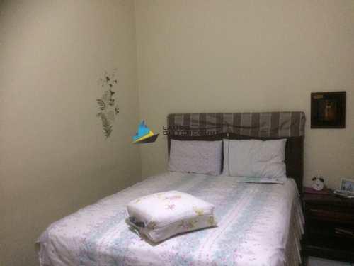 Apartamento, código 8371 em Santos, bairro Estuário