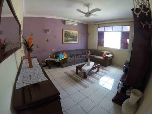 Apartamento, código 8474 em Santos, bairro Macuco