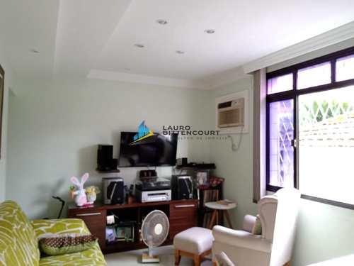 Apartamento, código 8504 em Santos, bairro Embaré