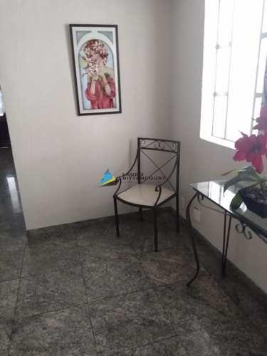 Apartamento, código 8529 em Santos, bairro Embaré