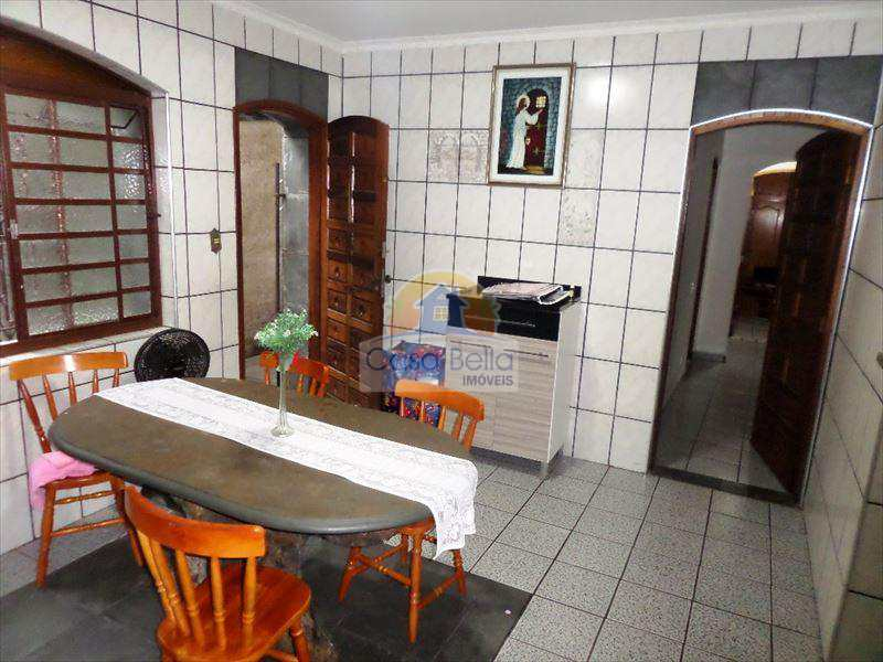 Casa em São Vicente, bairro Vila Valença