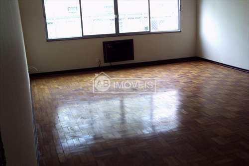 Apartamento, código 2390 em Santos, bairro Gonzaga