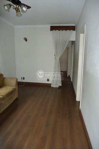 Apartamento, código 2250 em Santos, bairro Embaré