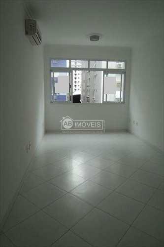 Apartamento, código 2212 em Santos, bairro Boqueirão