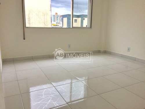 Apartamento, código 3322 em Santos, bairro Embaré