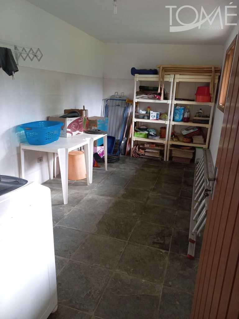 Sobrado em Bertioga, no bairro Maitinga