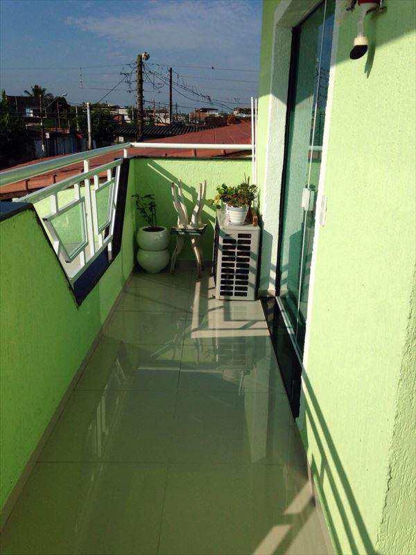 Sobrado em São Vicente, no bairro Planalto Bela Vista