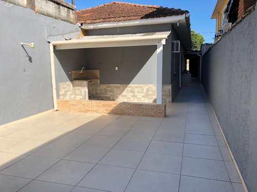 Casa, código 10777 em São Vicente, bairro Vila São Jorge