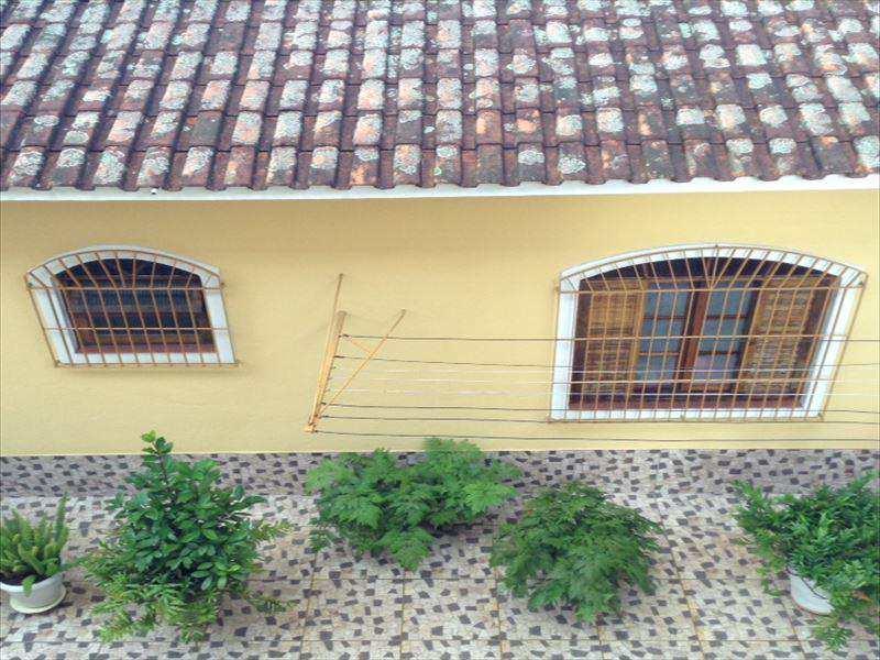 Sobrado em São Vicente, no bairro Vila Nossa Senhora de Fátima
