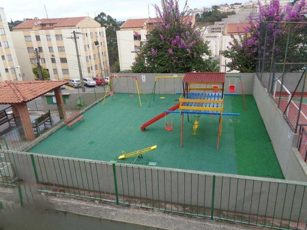 Apartamento em Cotia, no bairro Jardim Caiapiá