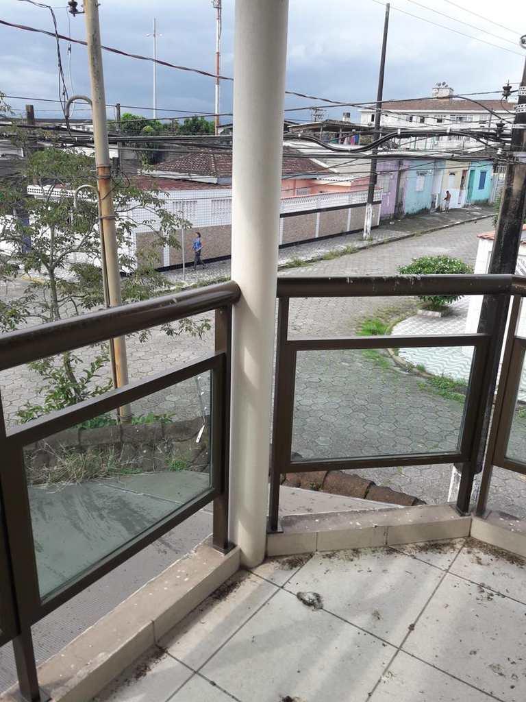Sobrado em São Vicente, no bairro Vila Melo