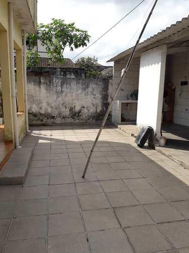 Casa, código 10900 em São Vicente, bairro Parque Bitaru