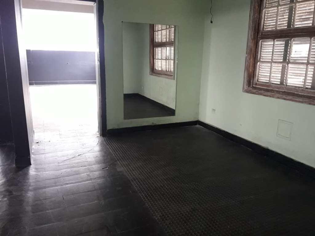 Casa Comercial em Santos, no bairro Gonzaga