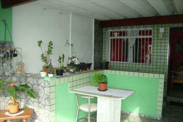 Casa em Taboão da Serra, bairro Parque Pinheiros
