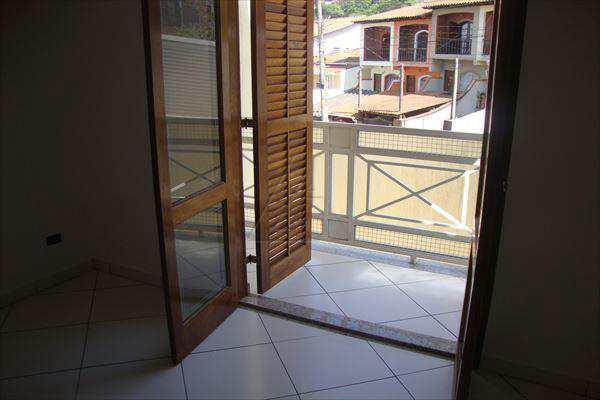 Sobrado em Taboão da Serra, no bairro Jardim América