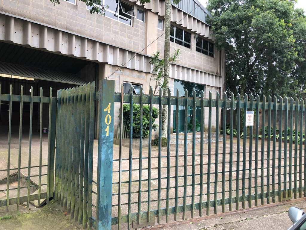 Galpão em Embu das Artes, bairro Parque Pirajussara
