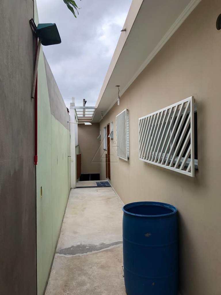Sobrado em Embu das Artes, bairro Jardim Vista Alegre