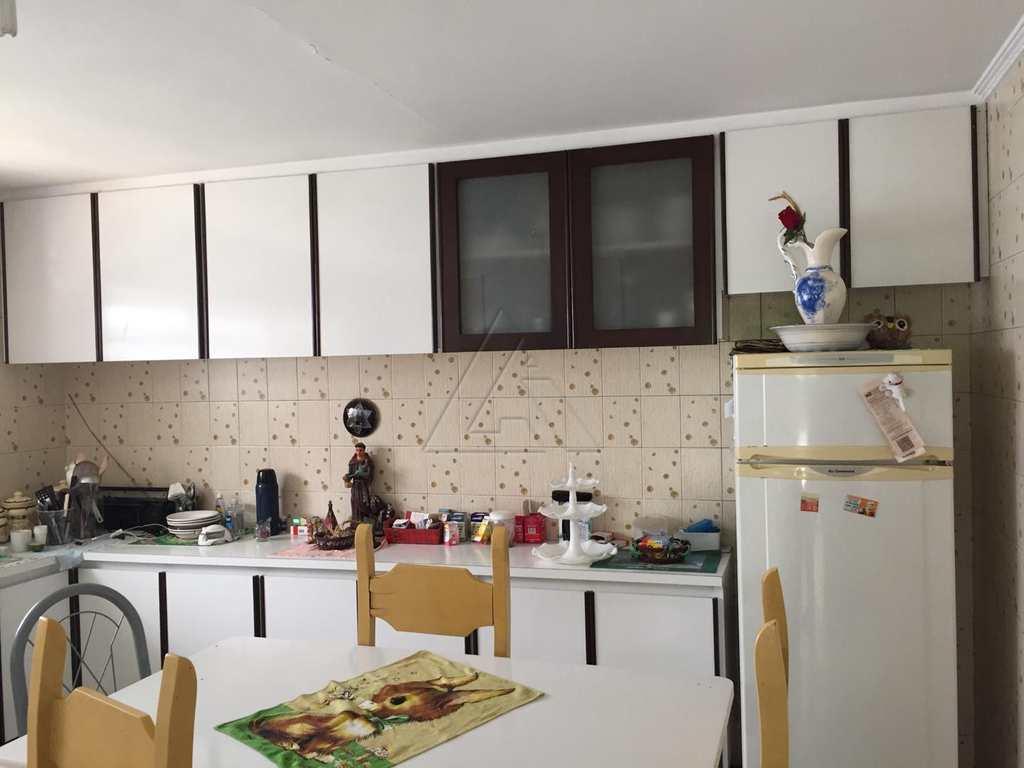 Casa em Embu das Artes, bairro Jardim Vista Alegre