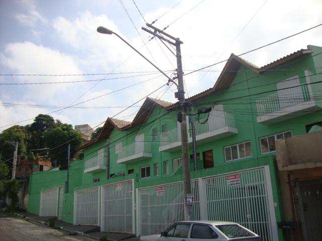 Sobrado em Taboão da Serra, bairro Jardim Pazini