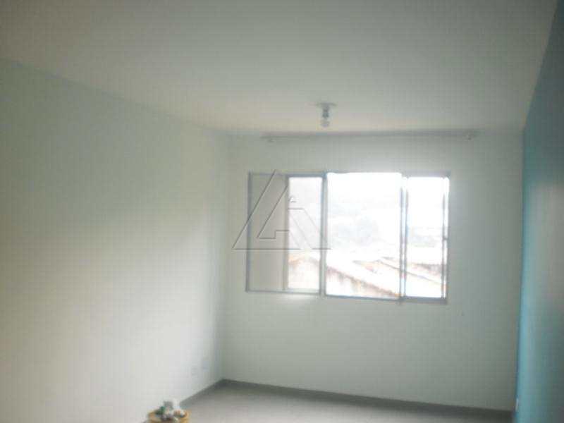 Apartamento em Taboão da Serra, bairro Parque Assunção