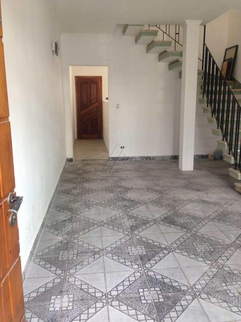 Sobrado em Taboão da Serra, bairro Vila Santa Luzia