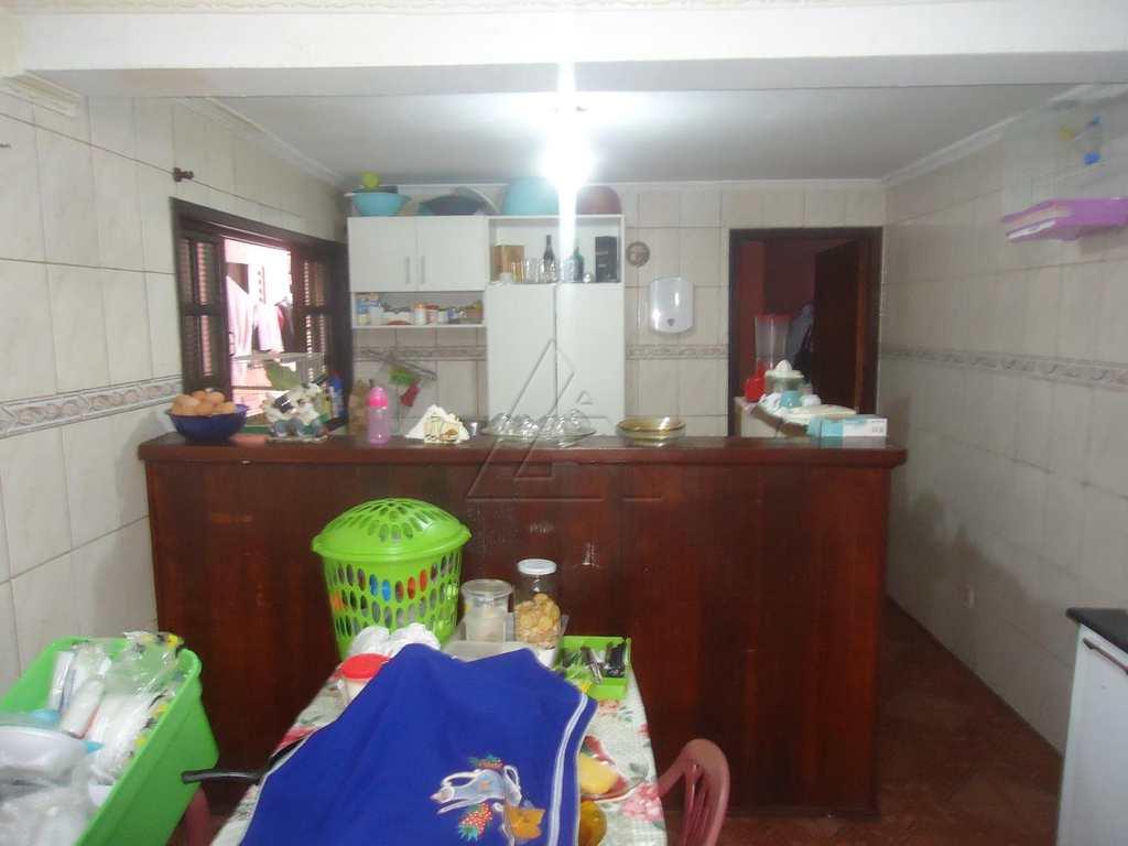 Casa em Embu das Artes, no bairro Jardim Independência
