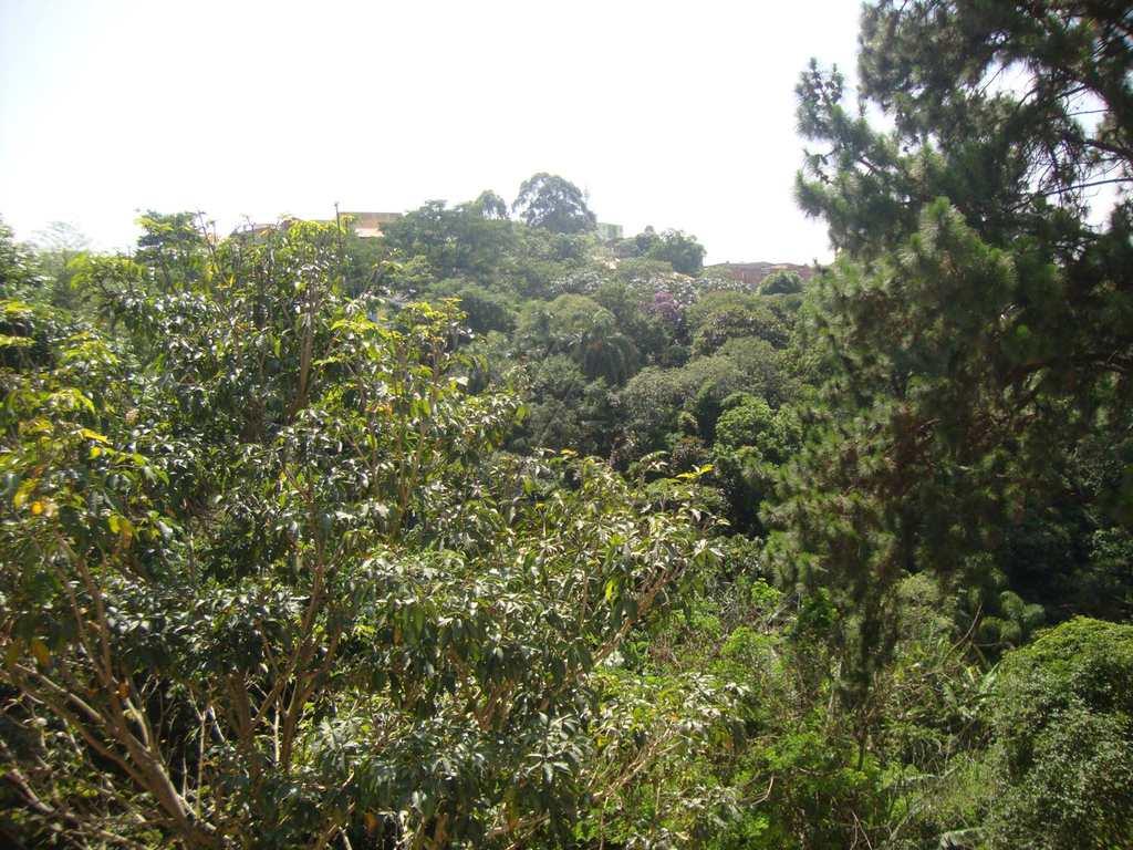 Sobrado em Taboão da Serra, no bairro Parque das Cigarreiras