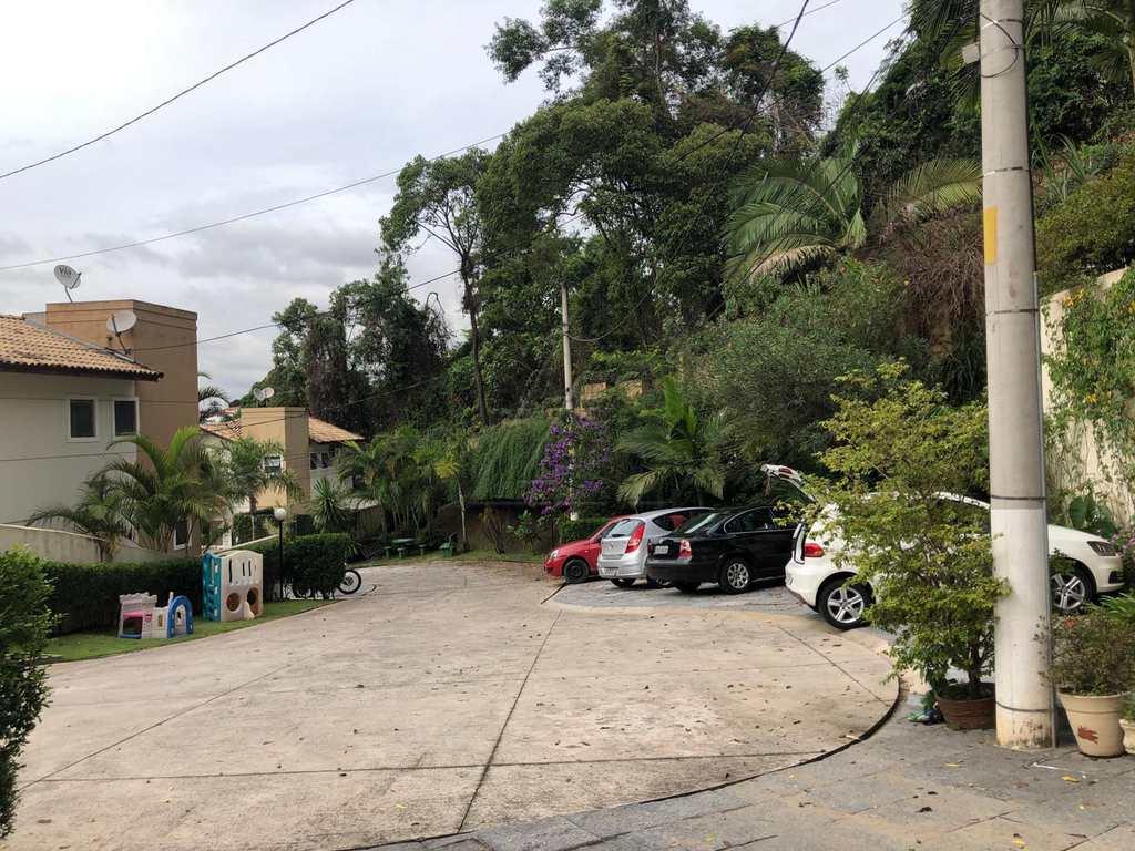 Sobrado de Condomínio em Taboão da Serra, bairro Parque Assunção