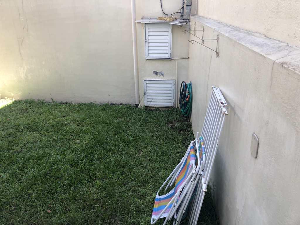 Sobrado em Taboão da Serra, no bairro Parque Pinheiros