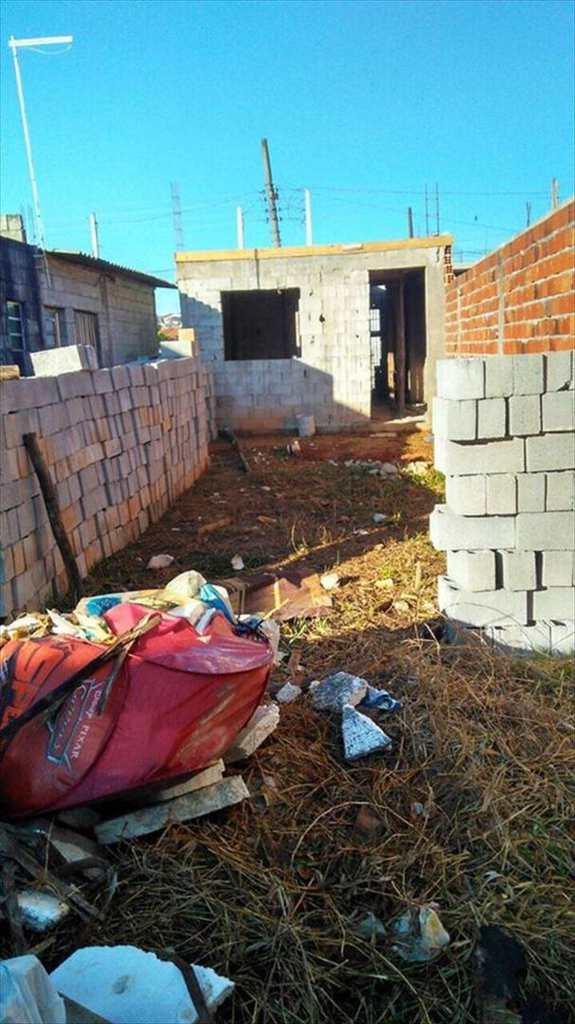 Terreno em Mogi das Cruzes, no bairro Jardim Layr
