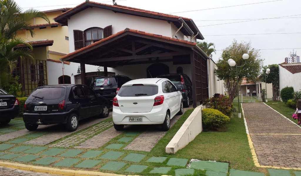 Sobrado em Mogi das Cruzes, bairro Lagoa Seca