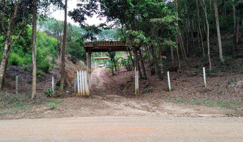 Casa em Biritiba-Mirim, bairro Casa Grande