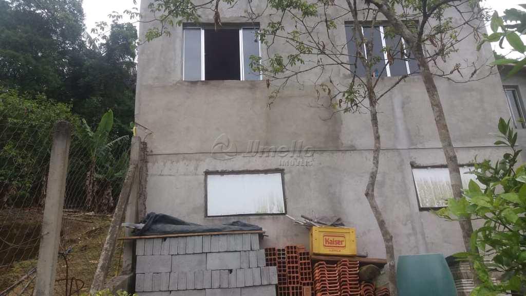 Casa em Mogi das Cruzes, no bairro Biritiba Ussu