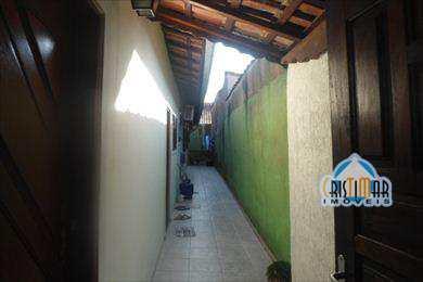 Casa em Praia Grande, bairro Tude Bastos
