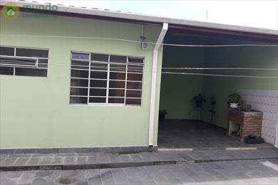 Casa em Taubaté, no bairro Vila Rezende