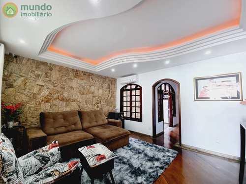 Casa, código 4836 em Taubaté, bairro Vila das Jabuticabeiras