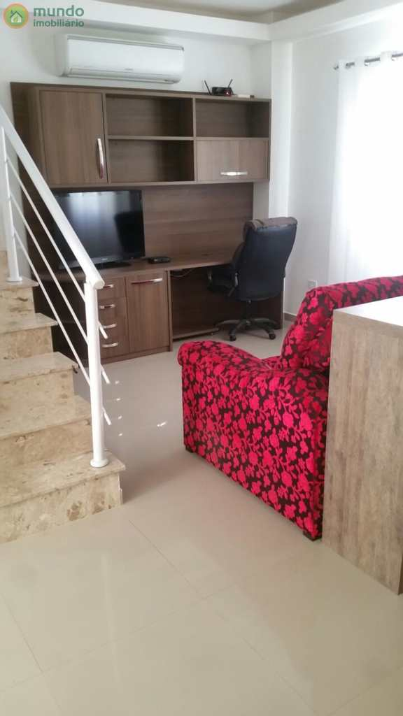 Sobrado de Condomínio em Taubaté, no bairro Vila Areao