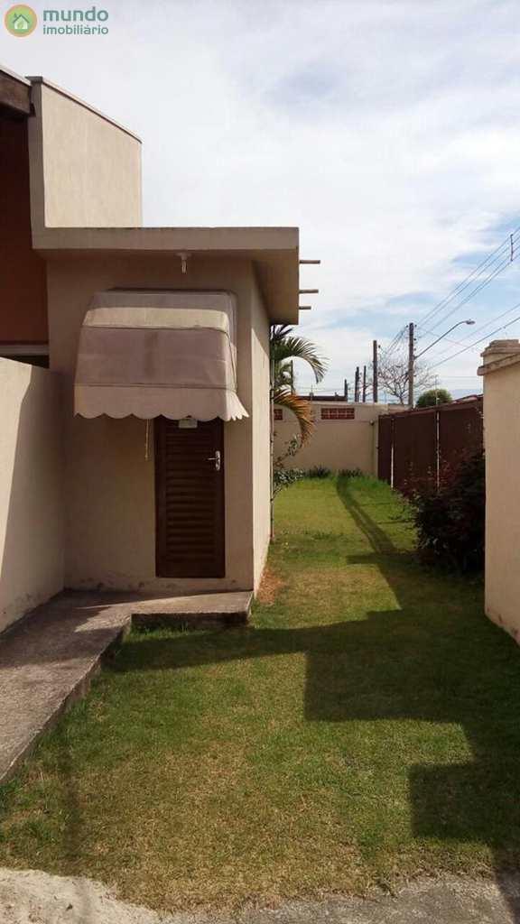 Casa de Condomínio em Taubaté, no bairro Parque São Luís