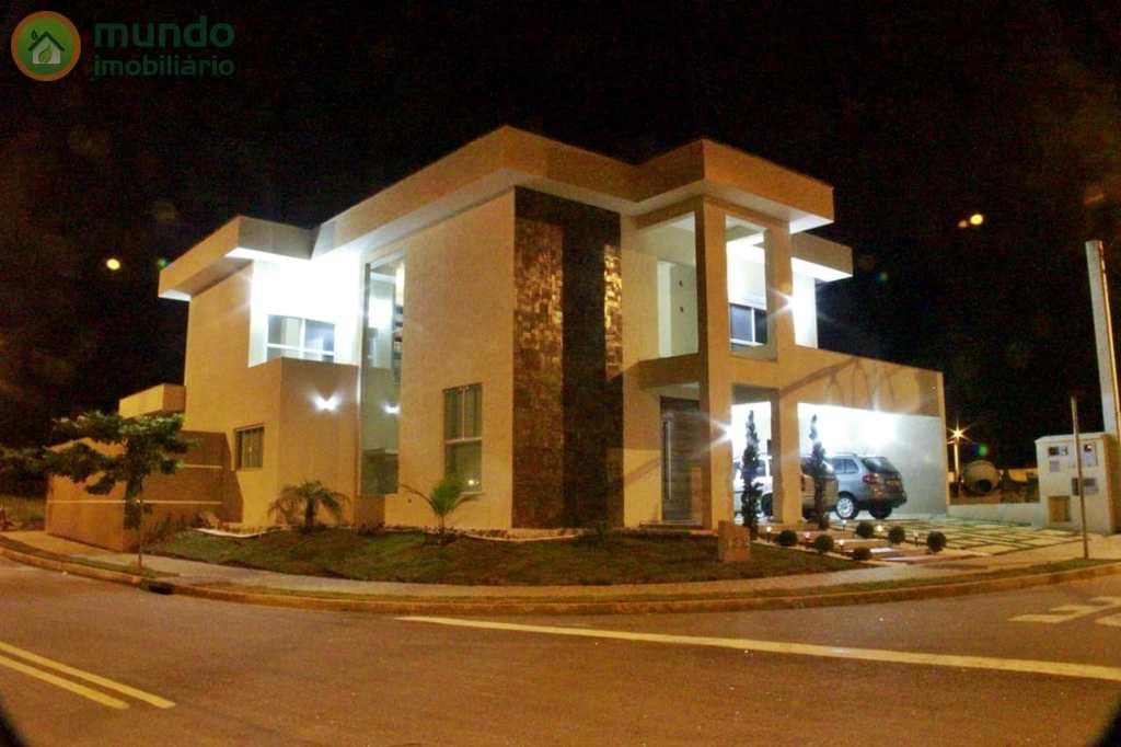 Sobrado de Condomínio em Taubaté, no bairro Residencial Ouroville