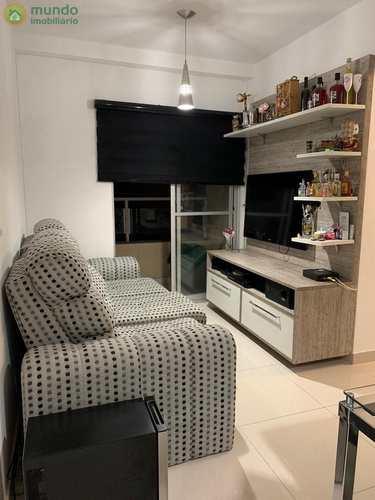 Apartamento, código 7672 em Taubaté, bairro Centro
