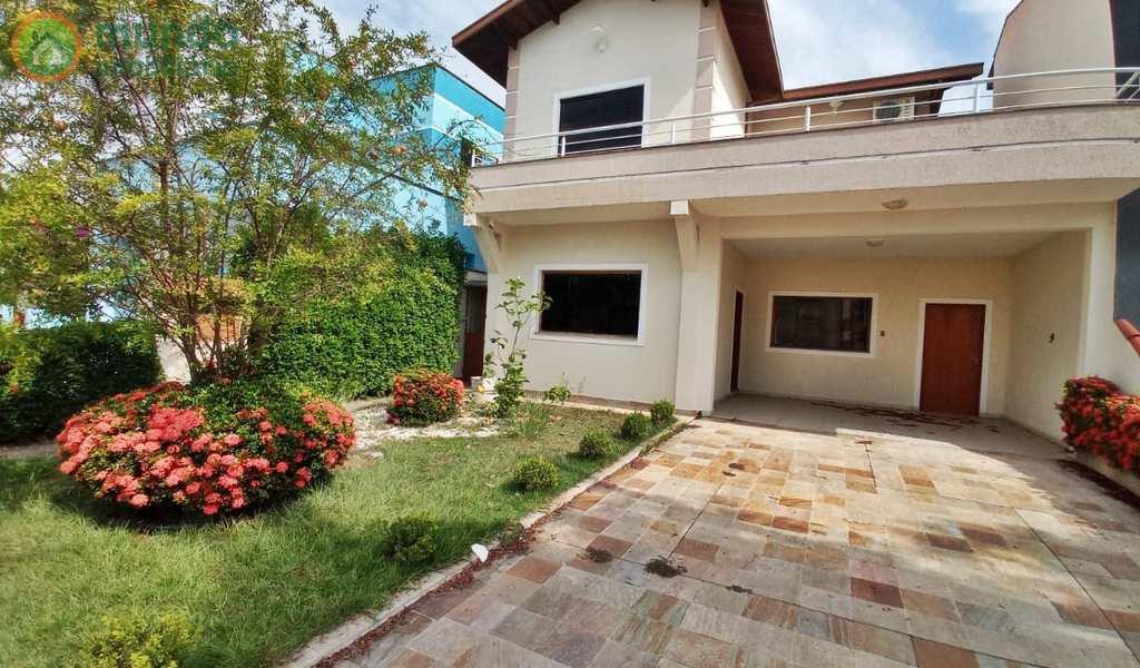 Casa em Tremembé, bairro Condomínio Campos do Conde