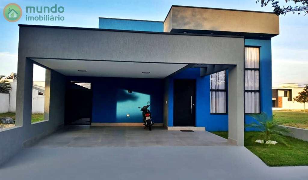 Casa de Condomínio em Taubaté, bairro Parque São Cristóvão